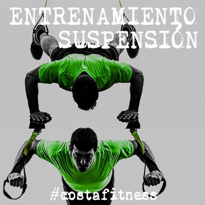 Entrenamiento de suspensión en el gimnasio costafitness de chiclana