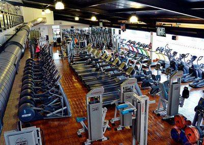 gimnasio-sala-fitness-maquinas-de-ultima-tecnologia